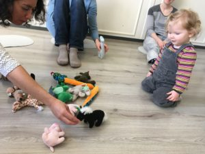0 – 2 years old: Baby & me! Introduction to French For Toddlers  FRIDAYS 11am-11:50am   (3/9/2021 – 24/6/2022)
