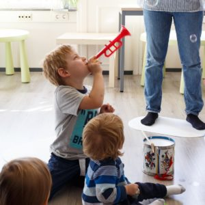 3 – 5 years old, French introduction Wednesdays 4:30pm – 5:20pm